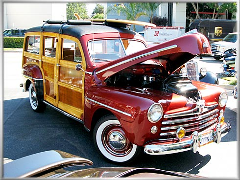 1948-Ford-Woodie-1