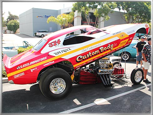 Dodge-Challenger-Fuel-Funny-Car-1