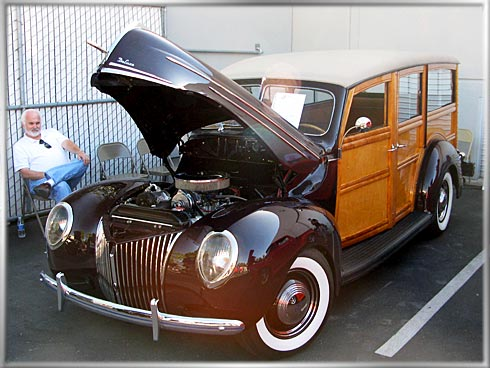 1939-Ford-Woodie-2