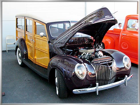 1939-Ford-Woodie-3