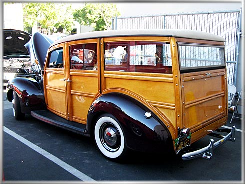 1939-Ford-Woodie-4