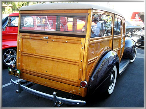 1939-Ford-Woodie-5