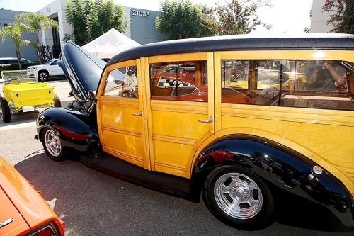 1940-Ford-Delux-Woody-8