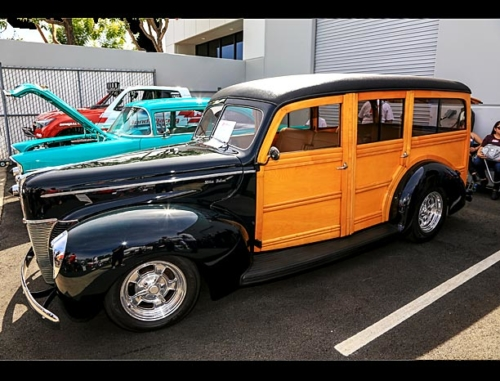 1940-Ford-Deluxe-Station-Wagon-2