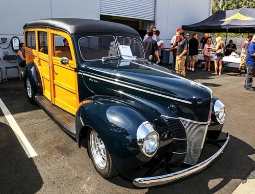 1940-Ford-Deluxe-Station-Wagon-3