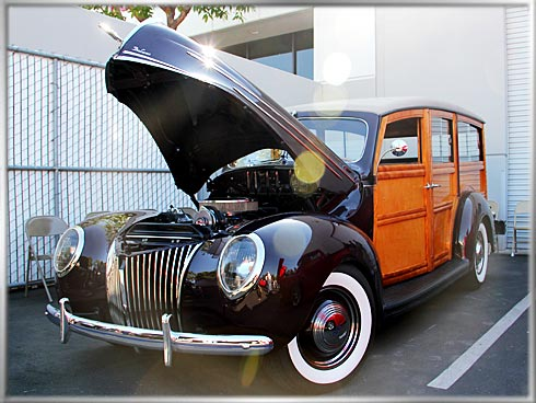 1940-Ford-Deluxe-Woodie-2 (1)