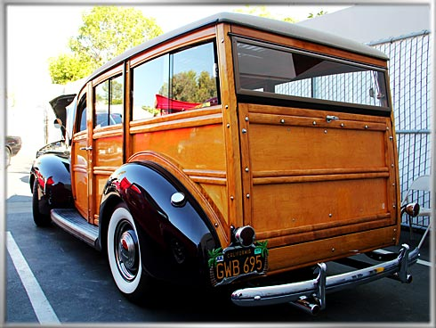 1940-Ford-Deluxe-Woodie-4 (1)