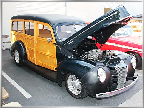1940-Ford-Deluxe-Woody-3