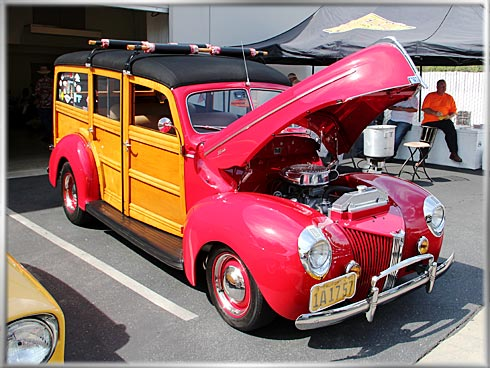 1940-Ford-Station-Wagon-7