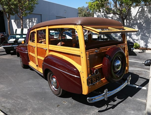 1942-Ford-Woody-7