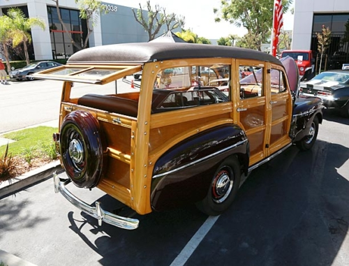 1942-Ford-Woody-9