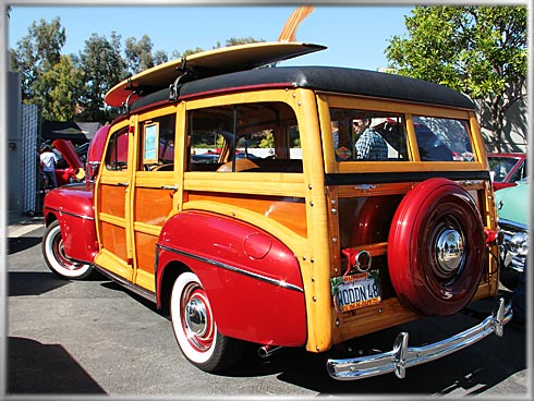 1948-Ford-Woodie-3