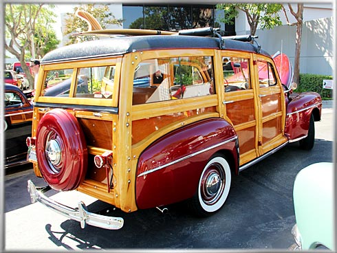 1948-Ford-Woodie-5
