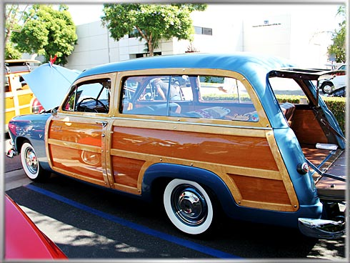 1951-Ford-Country-Squire-2