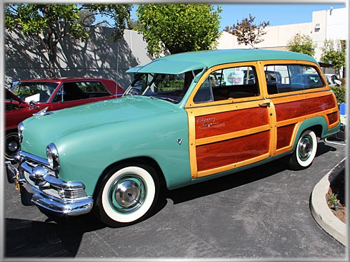 1951-Ford-Woodie-1