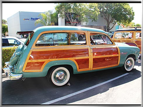 1951-Ford-Woodie-2
