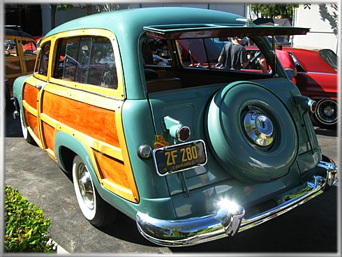 1951-Ford-Woodie-6