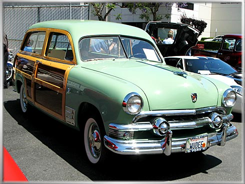 1951-Ford-Woody-MacD-2