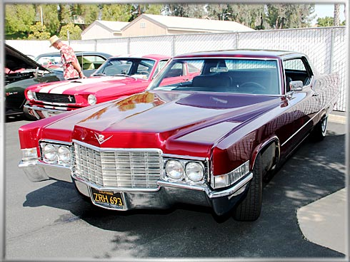 1969-Cadillac-Coupe-DeVille-2