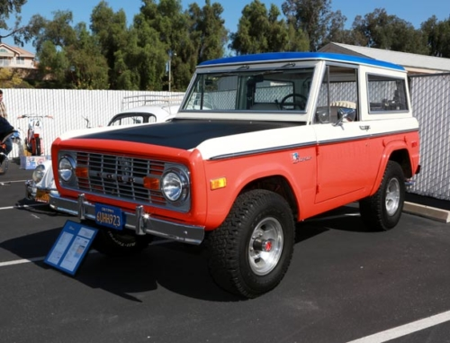 1973-Ford-Bronco-3