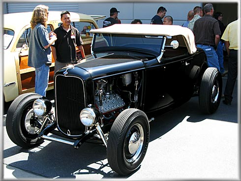 32-Ford-Roadster-2