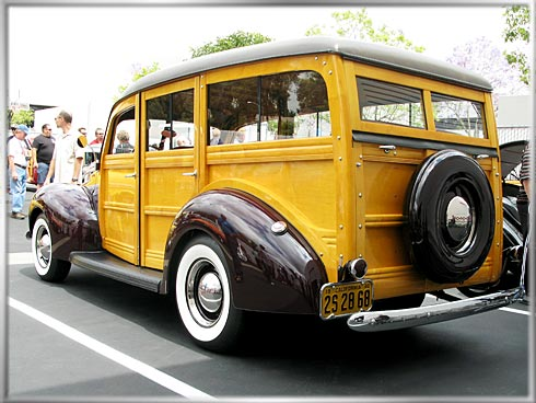 40-Ford-Woody-2