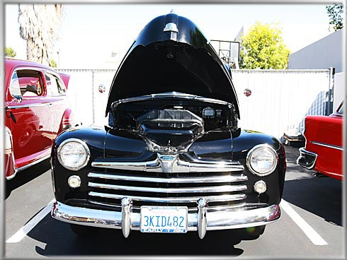 48-Ford-Superdeluxe-V8-2