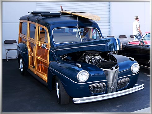 49-Ford-Woodie-1
