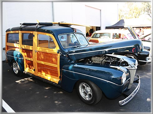 49-Ford-Woodie-2