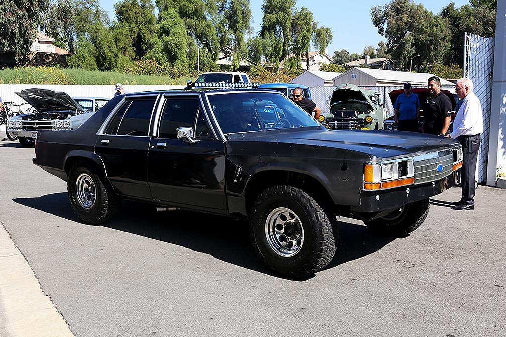 1990-Ford-Crown-Victoria