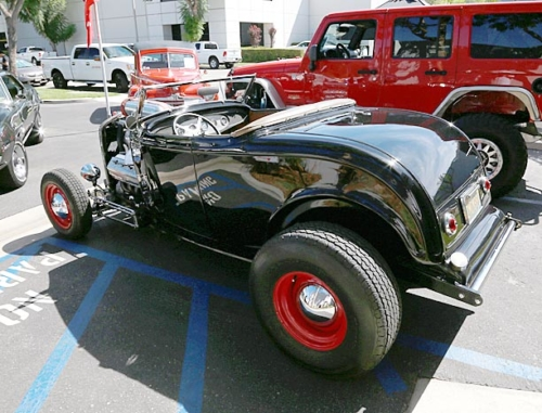 1932-Ford-Roadster-3