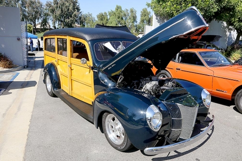 1940-Ford-Delux-Woody-2