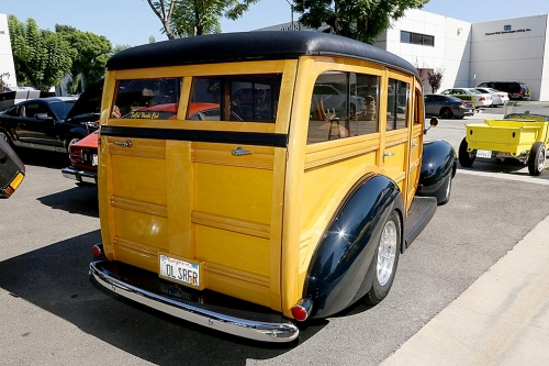 1940-Ford-Delux-Woody-4