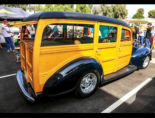 1940-Ford-Deluxe-Station-Wagon-4