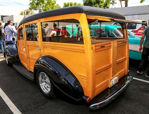 1940-Ford-Deluxe-Station-Wagon-6