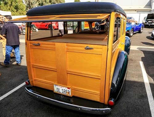 1940-Ford-Deluxe-Station-Wagon-7