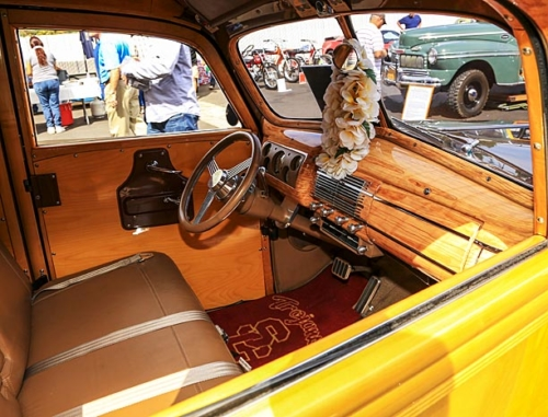 1940-Ford-Deluxe-Station-Wagon-8