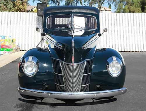1940-Ford-Deluxe-Woodie-4