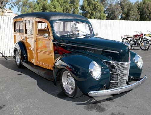 1940-Ford-Deluxe-Woodie-5