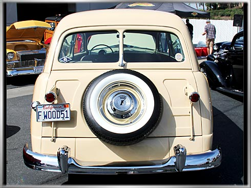1951-Ford-Woody-Super-Deluxe-3