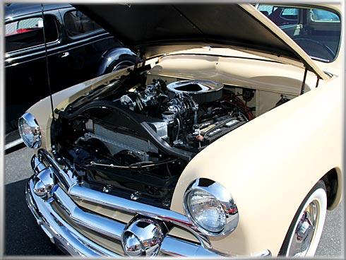1951-Ford-Woody-Super-Deluxe-7