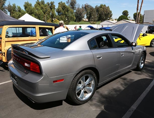2014-Dodge-Charger-RT-4