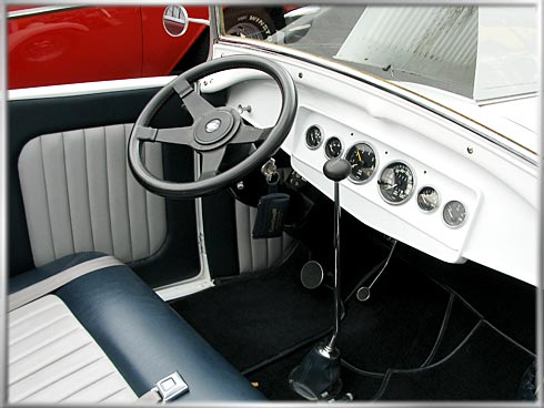 28-Ford-Roadster-7