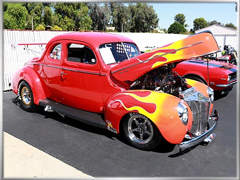 40-Ford-Deluxe-Coupe-2